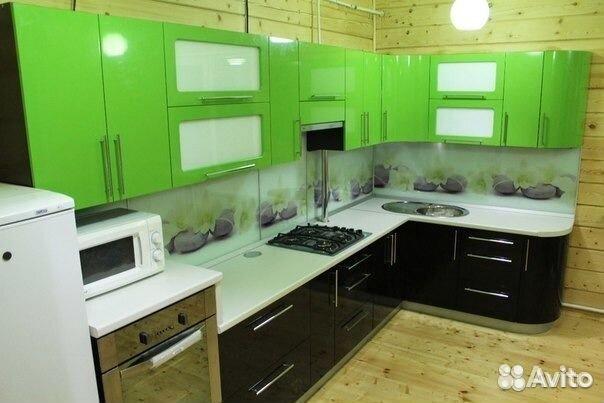 кухонный черно фото зеленый гарнитур