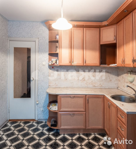 Продается четырехкомнатная квартира за 3 400 000 рублей. Сусанина, 4А.