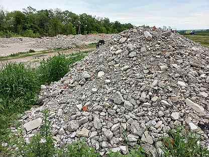 Битый кирпич, дробленый бетон